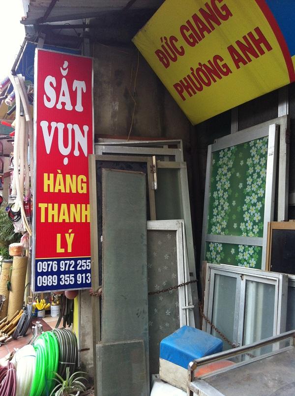 Cửa hàng thanh lý đồ cũ Phương Anh chuyên thu mua các loại cửa cũ tại Hà Nội